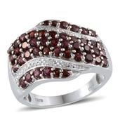 Pyrope Garnet, Diamond Platinum Over Sterling Silver Ring (Size 7.0) TDiaWt 0.01 cts, TGW 3.040 cts.