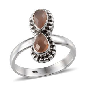 Artisan Crafted Sri Lankan Orange Moonstone Sterling Silver Ring (Size 10.0) TGW 1.400 cts.