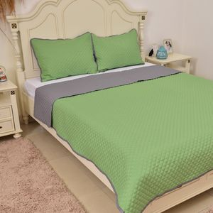 Green and Gray Microfiber Reversible Quilt (Twin) and Sham (20x26 in)