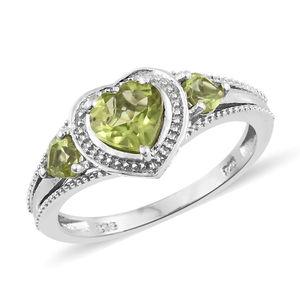 Hebei Peridot Platinum Over Sterling Silver Heart Ring (Size 5.0) TGW 1.50 cts.