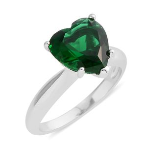 Simulated Emerald Silvertone Heart Ring (Size 8.5) TGW 5.38 cts.
