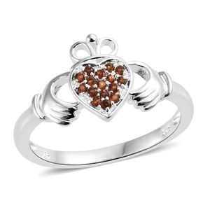 Mozambique Garnet Sterling Silver Ring (Size 7.0) TGW 0.30 cts.